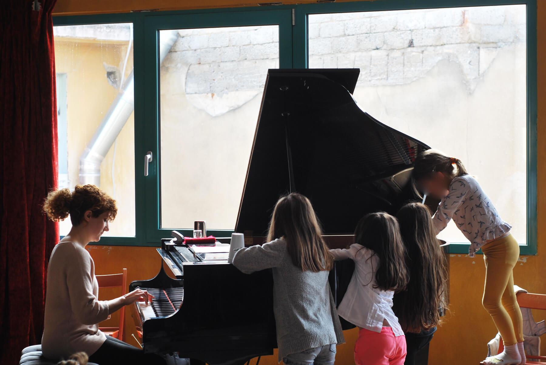 Δανάη Στέφανου Experimental Piano / muzike. family conceρts 09